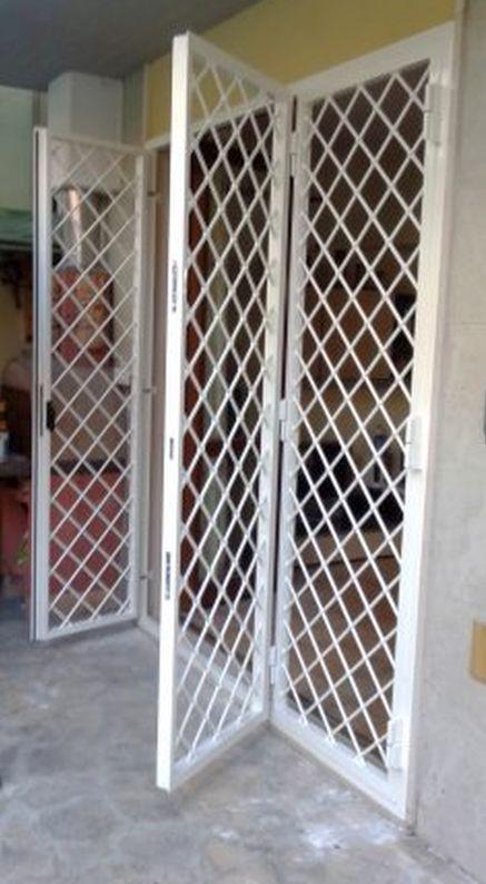 Grate di protezione antel sas for Grate in legno per balconi